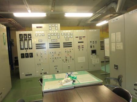 愛川第1発電所配電盤室