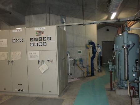 愛川第1発電所発電機室