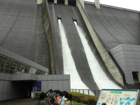 宮ヶ瀬ダム観光放流