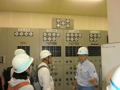 相模発電所・制御盤室