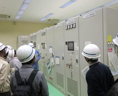 津久井発電所配電盤室