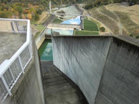三保ダム・洪水吐