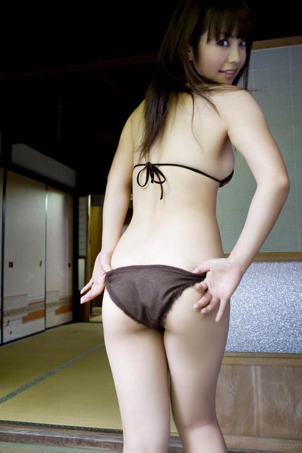 磯山さやか 過激 水着 グラビアアイドル エロ画像032a.jpg