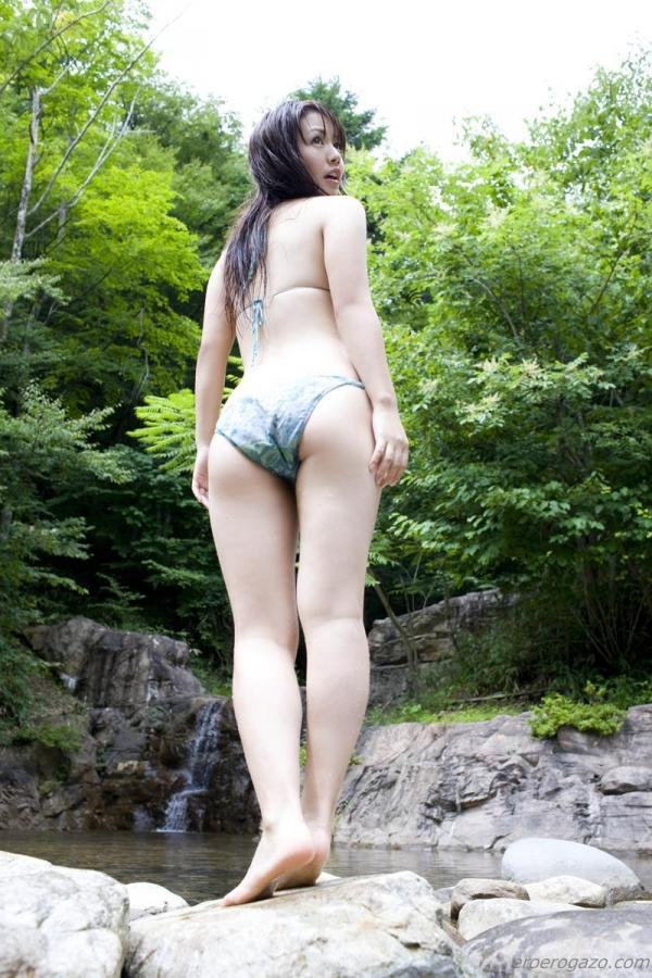 磯山さやか 過激 水着 グラビアアイドル エロ画像086a.jpg