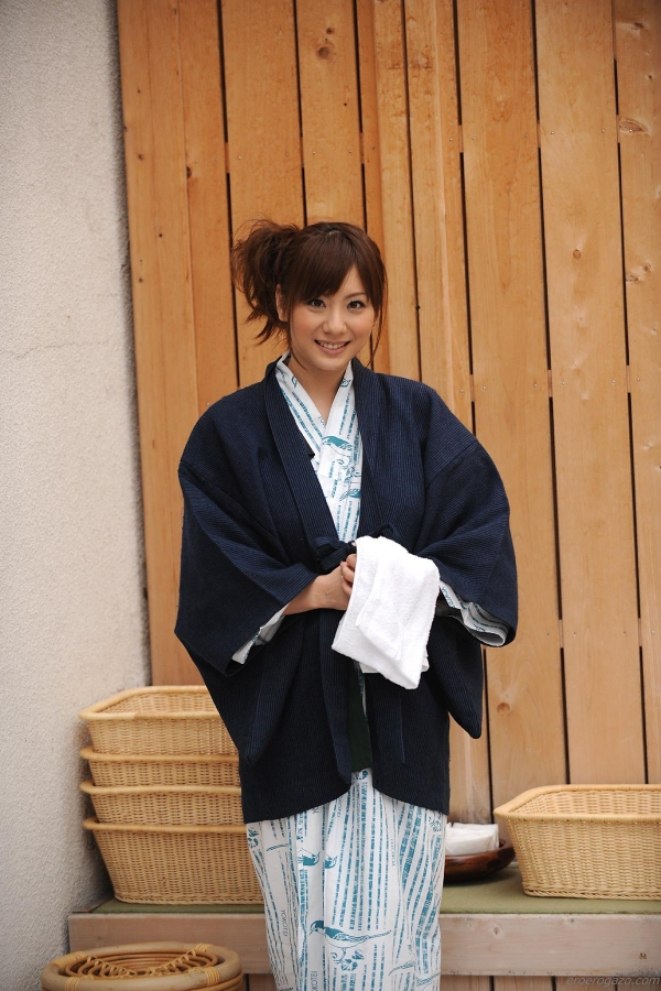 AV女優 麻美ゆま ヌード エロ画像038a.jpg
