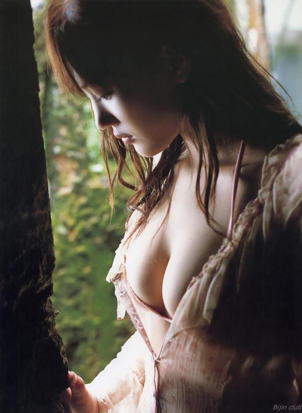 綾瀬はるか 水着 グラビア 画像57a.jpg