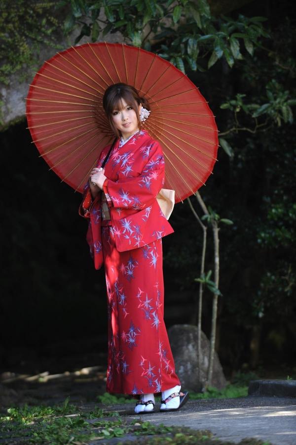 浜崎りお 和風エロ爆乳美女着物ヌード画像100枚の002枚目