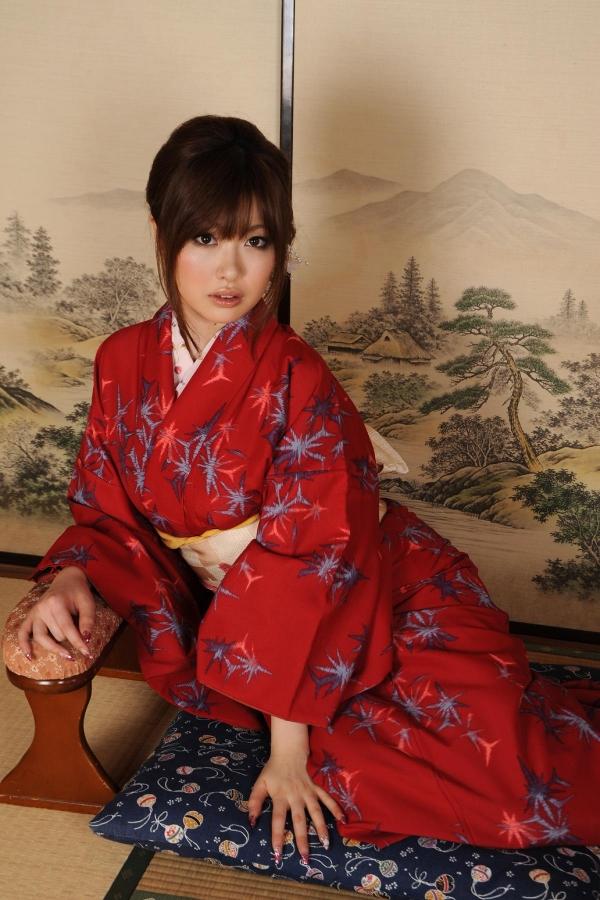 浜崎りお 和風エロ爆乳美女着物ヌード画像100枚の008枚目