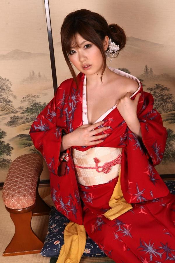 浜崎りお 和風エロ爆乳美女着物ヌード画像100枚の013枚目