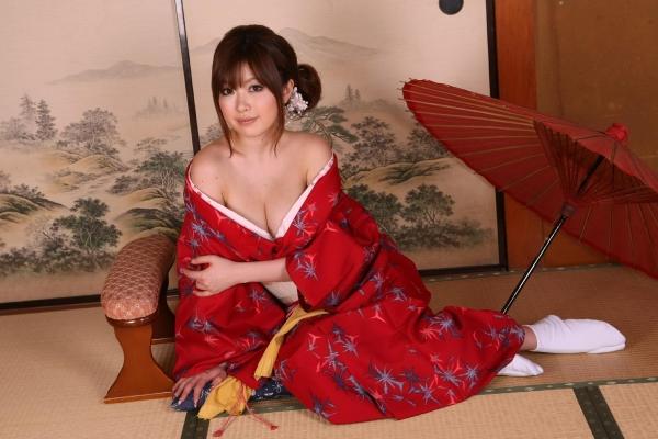 浜崎りお 和風エロ爆乳美女着物ヌード画像100枚の014枚目