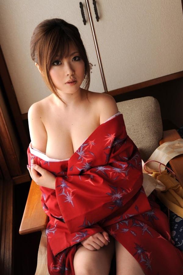 浜崎りお 和風エロ爆乳美女着物ヌード画像100枚の017枚目