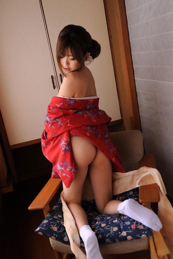 浜崎りお 和風エロ爆乳美女着物ヌード画像100枚の024枚目