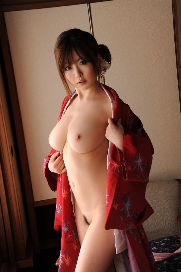 浜崎りお 和風エロ爆乳美女着物ヌード画像100枚の028枚目