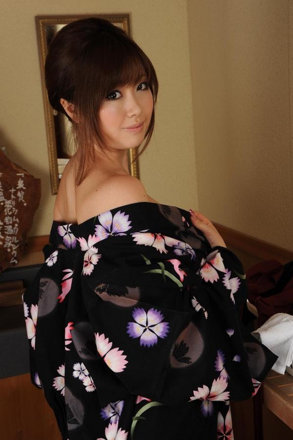 浜崎りお 和風エロ爆乳美女着物ヌード画像100枚の050枚目