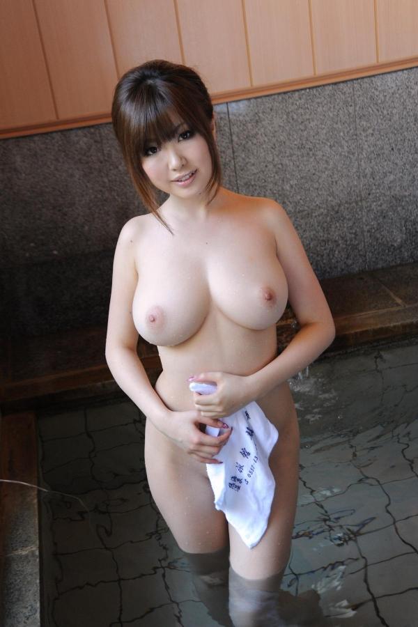 浜崎りお 和風エロ爆乳美女着物ヌード画像100枚の1