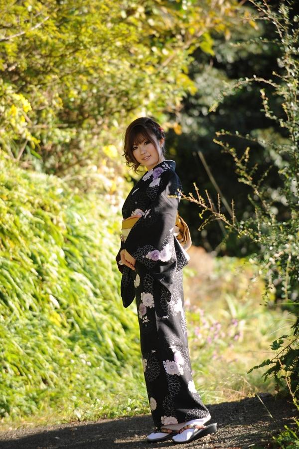 浜崎りお 和風エロ爆乳美女着物ヌード画像100枚の063枚目