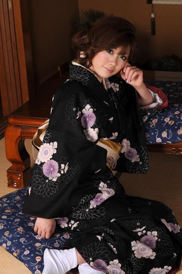 浜崎りお 和風エロ爆乳美女着物ヌード画像100枚の073枚目