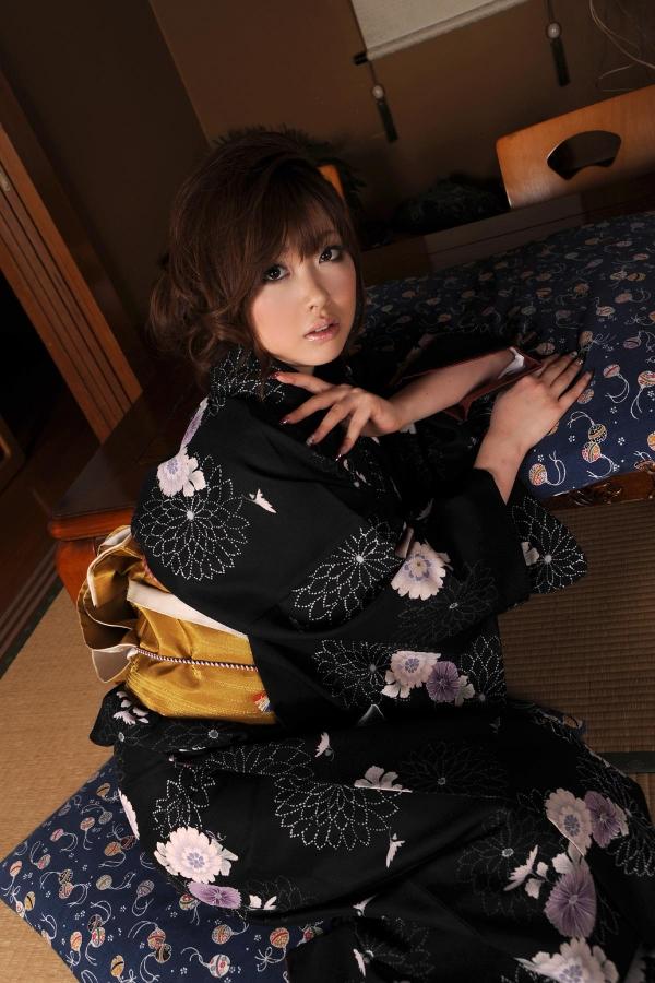 浜崎りお 和風エロ爆乳美女着物ヌード画像100枚の075枚目
