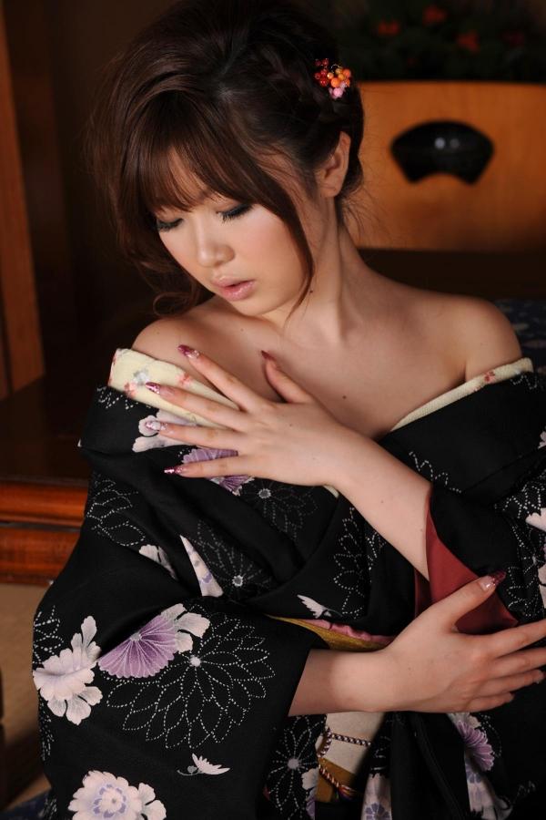 浜崎りお 和風エロ爆乳美女着物ヌード画像100枚の079枚目