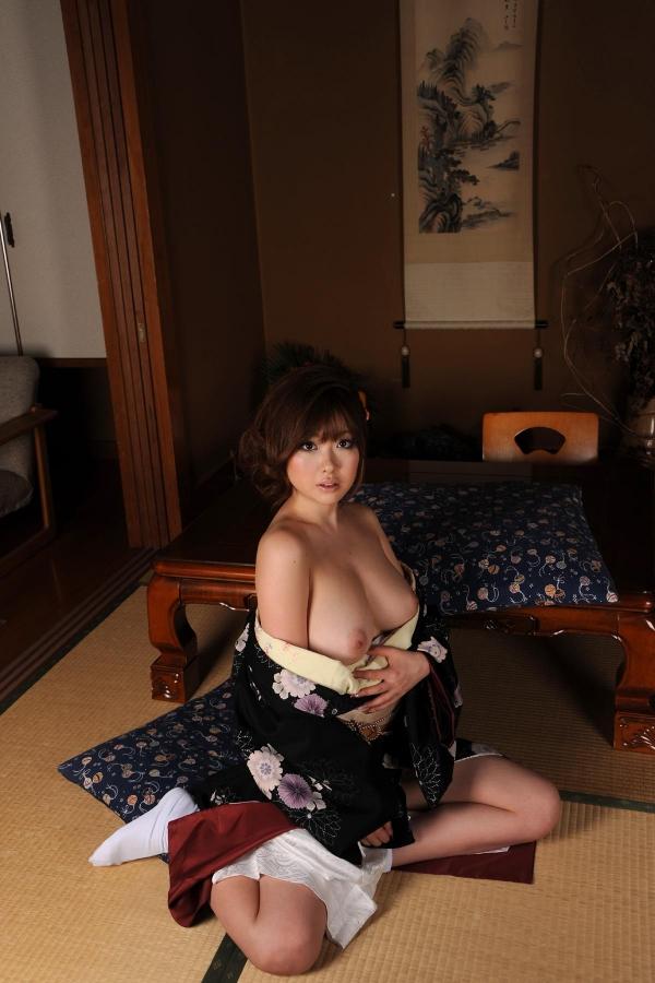浜崎りお 和風エロ爆乳美女着物ヌード画像100枚の084枚目