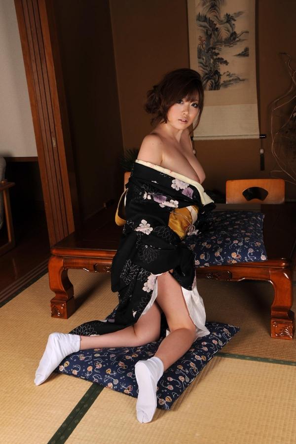 浜崎りお 和風エロ爆乳美女着物ヌード画像100枚の085枚目