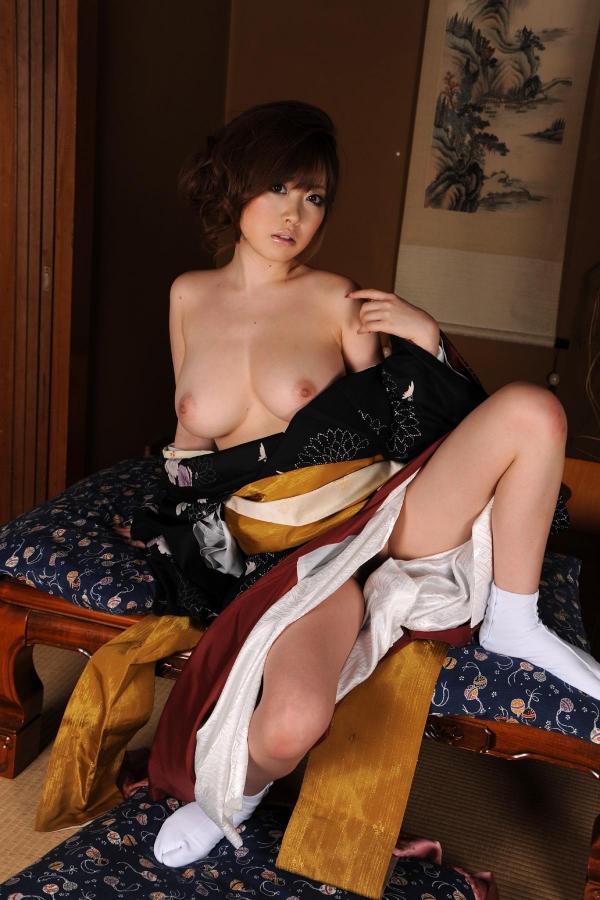 浜崎りお 和風エロ爆乳美女着物ヌード画像100枚の089枚目