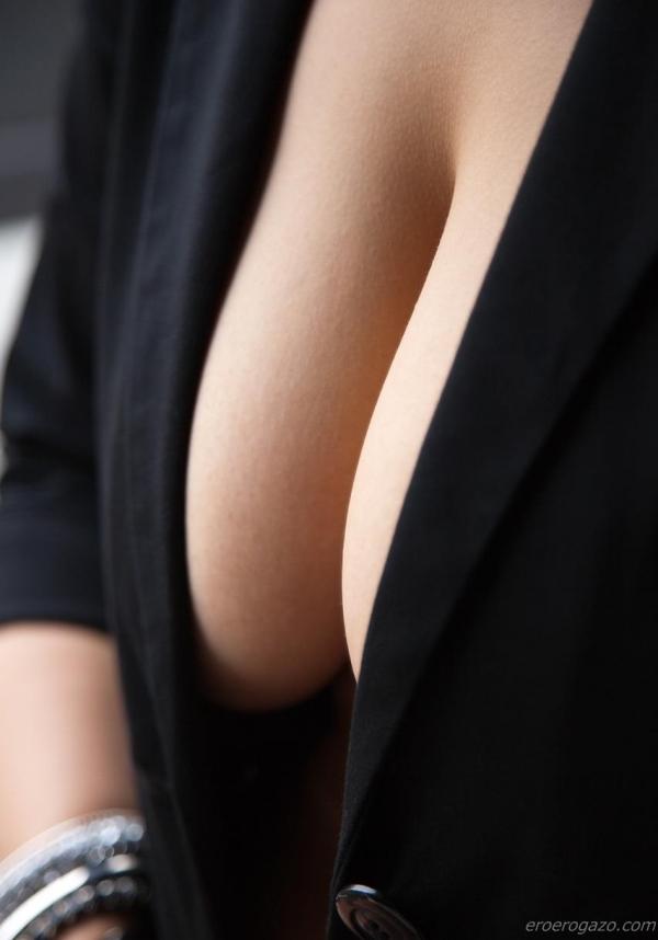 春菜はな 淫靡な垂れ爆乳の美女ヌード画像77枚の48枚目