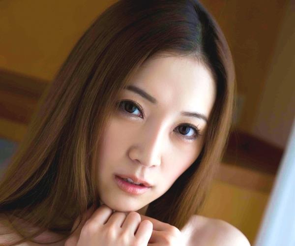 小川あさ美 美脚の美女官能ヌード画像55枚の1