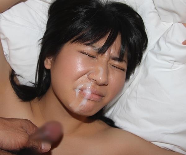 素人|20歳のウェイトレスとセックス 画像100枚