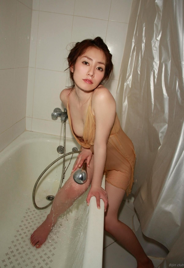 グラビアアイドル 谷桃子 過激 アイコラヌード エロ画像057a.jpg