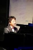 DSC05791ピアノを弾く