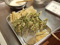 鶏天山菜天ぷら22