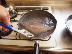 水カレイ煮付け05
