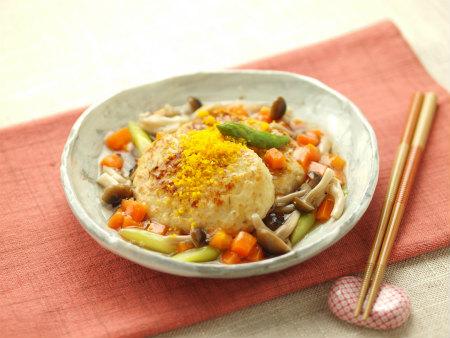 豆腐ハンバーグの春彩餡かけ33