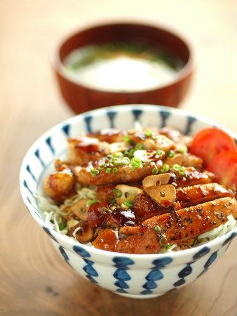 トンテキ丼38