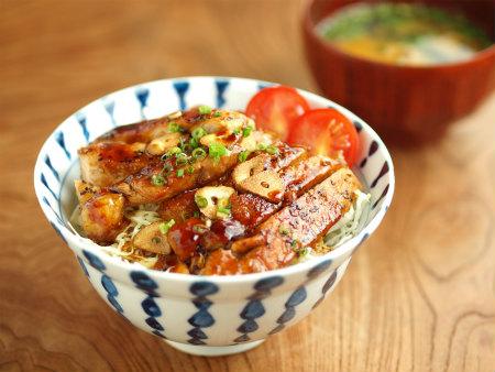 トンテキ丼48
