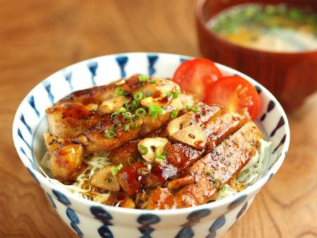 トンテキ丼44