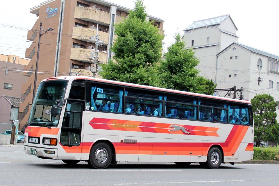 帝産観光バス か438