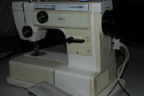 古いミシン4