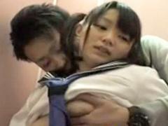 【盗撮】公衆トイレでブルマを穿いて援交する童顔女生徒たち