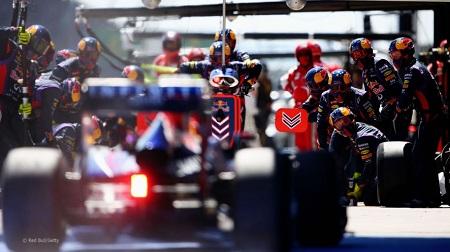 F1のピットレーンでのカメラ撮影ルール