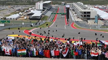 2013年F1第18戦 アメリカGP、丘の上の記念撮影