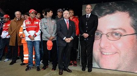 2013年F1イギリスGP、カナダGPで亡くなったマーシャルに黙祷