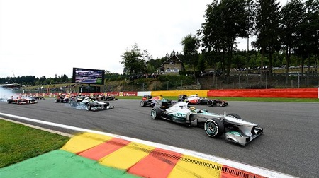 2013年F1第11戦のスタート