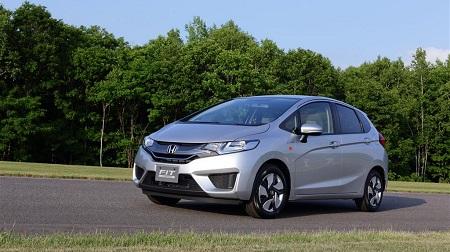 世界最高燃費のHV「新型フィット」
