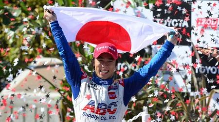 インディカーで優勝した佐藤琢磨
