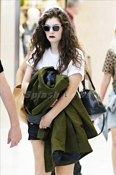 Lorde_140217_01.jpg