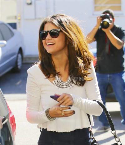 Selena_Gomez_1402172_03.jpg