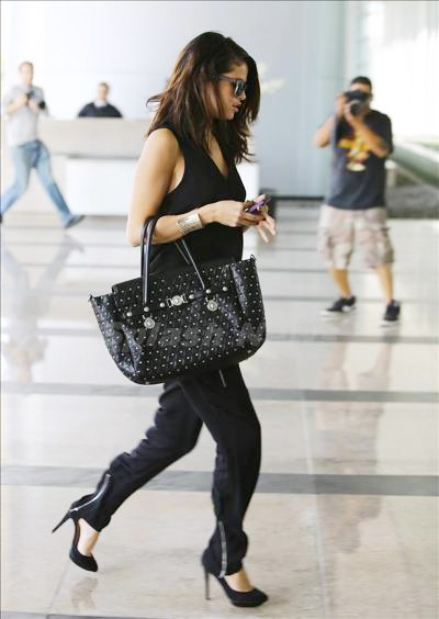 Selena_Gomez_140217_02.jpg