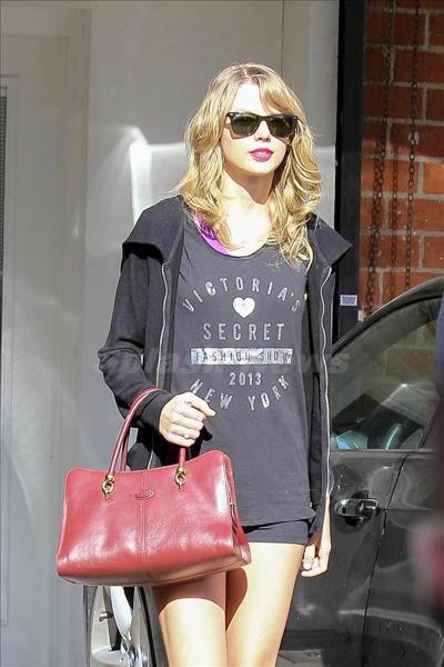 Taylor_Swift_140130_03.jpg